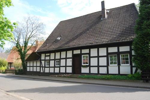 altes Schulhaus in Engelbostel